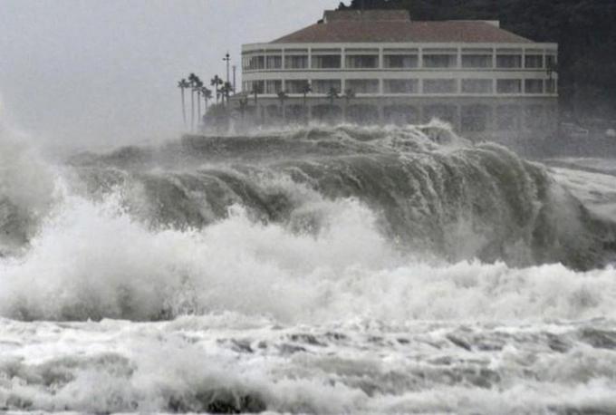 Cơn bão số 10 có thể vào Biển Đông ngày 1/11