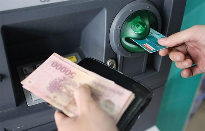 Quy định mới về trả lương qua thẻ ATM từ 01/01/2021