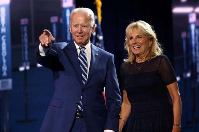 Tổng thống Mỹ mới đắc cử Joe Biden và vợ - Jill Biden. Ảnh: Reuters