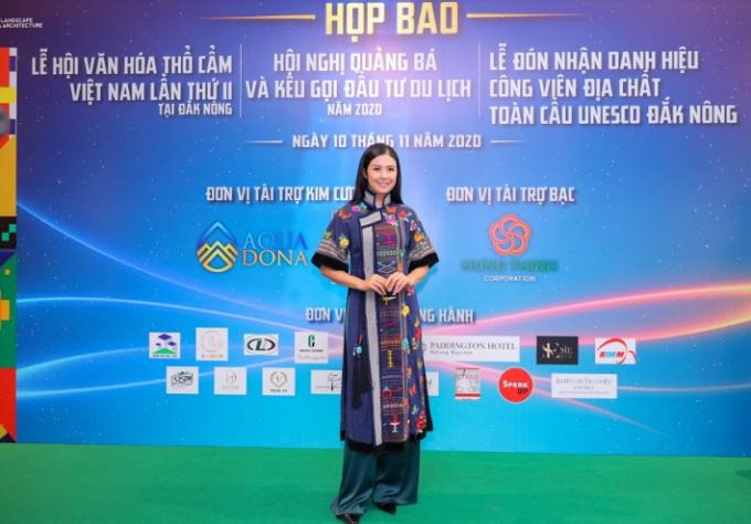 Cuộc trình diễn của thổ cẩm Việt Nam trên đất Tây Nguyên