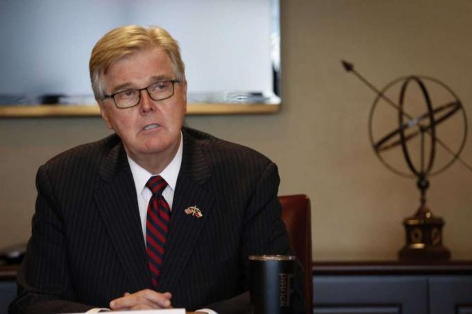 Phó Thống đốc bang Texas - ông Dan Patrick. Ảnh: HOUSTON CHRONICLE