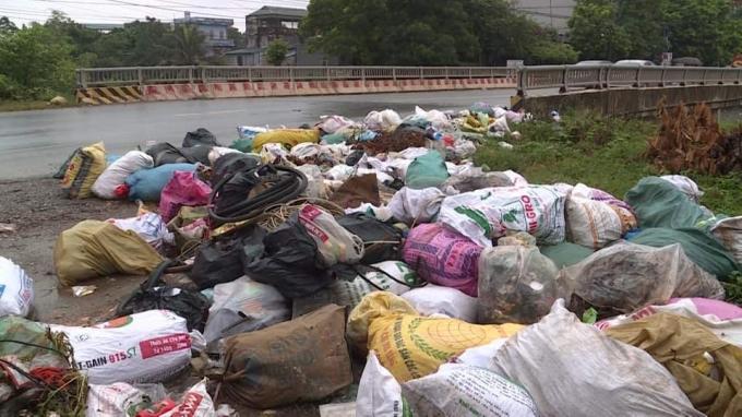 Phó Chủ tịch Hà Nội chỉ đạo khẩn về việc xử lý ô nhiễm bãi rác Nam Sơn