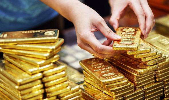 Giá vàng trong nước giảm xuống vùng thấp nhất một tháng