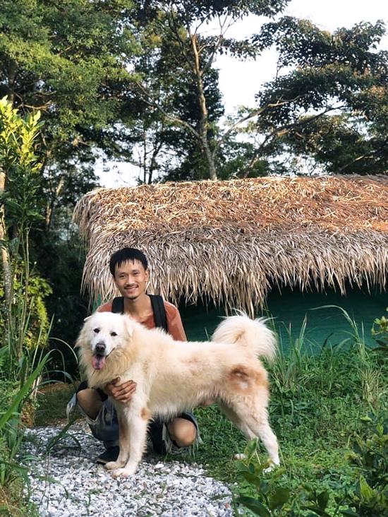 Anh Việt luôn mang Sói theo cùng.
