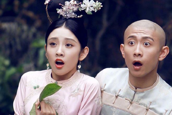 Trương Nhất Sơn (phải) vai Vi Tiểu Bảo vàĐường Nghệ Hânđảm nhận nhân vật Kiến Ninh công chúa.