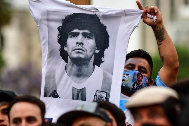 Cơ quan chức năng làm rõ nghi vấn xung quanh cái chết của Maradona