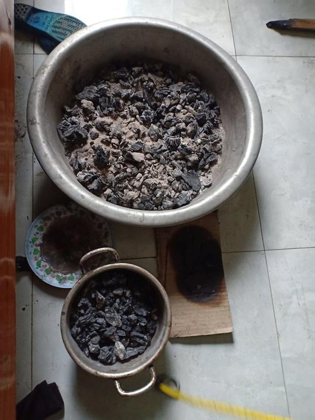 Quảng Bình: 4 mẹ con thương vong do đốt than trong phòng để sưởi ấm