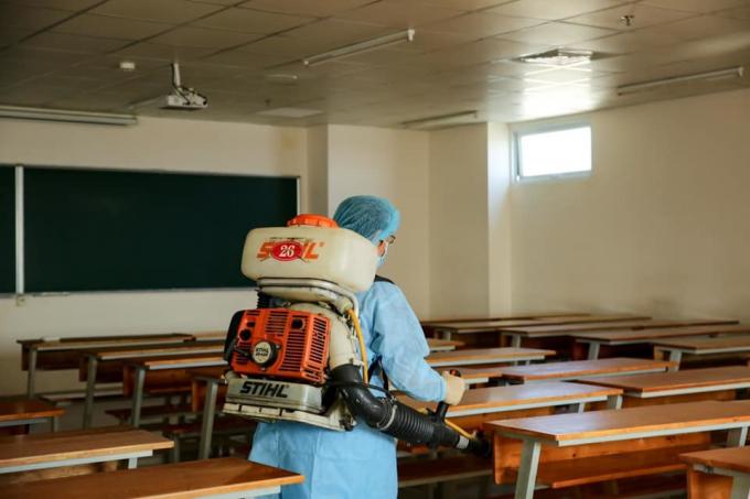 Hôm nay hàng chục nghìn học sinh, sinh viên TP.HCM trở lại trường học