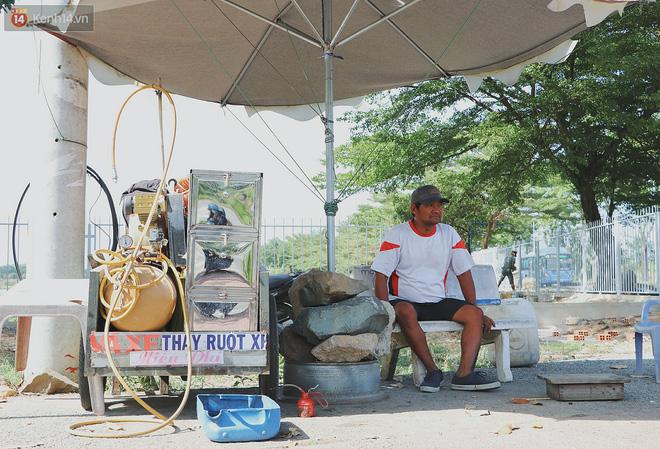 Chiếc xe ba gác của chú Minh dùng để chở đồ miễn phí cho sinh viên đã bị trộm lấy mất
