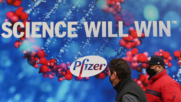 Những người phản đối vắc xin... thích thú với thông tin 6 người thử nghiệm của Pfizer đã chết