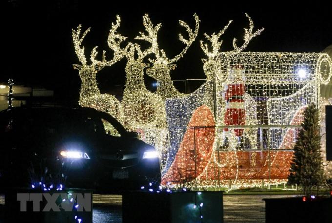 Trang hoàng rực rỡ đón Giáng sinh tại Vancouver, British Columbia, Canada. (Ảnh: THX/TTXVN)