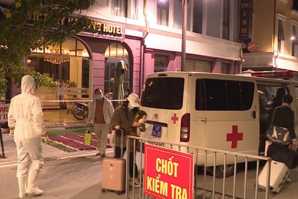 Phong tỏa khách sạn của gia đình bệnh nhân dương tính nCoV