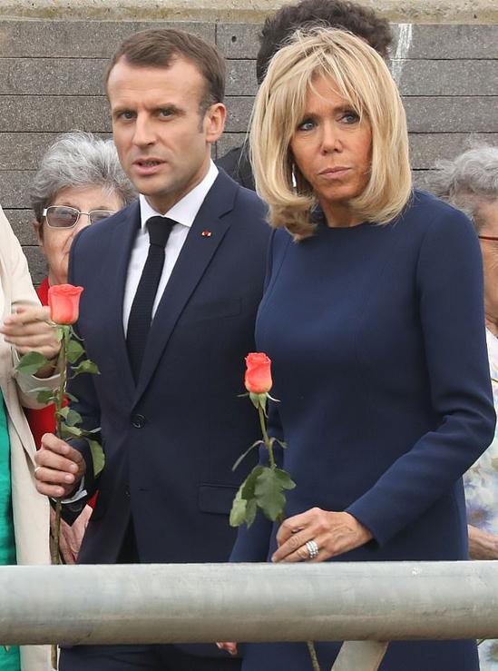 Vợ chồng Tổng thống Pháp bị chỉ trích vì chi hơn nửa triệu USD mua hoa trang trí