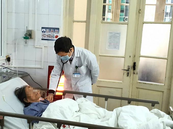 Bệnh nhân cao tuổi mắc phổi, đột quỵ… gia tăng trong đợt rét kỷ lục