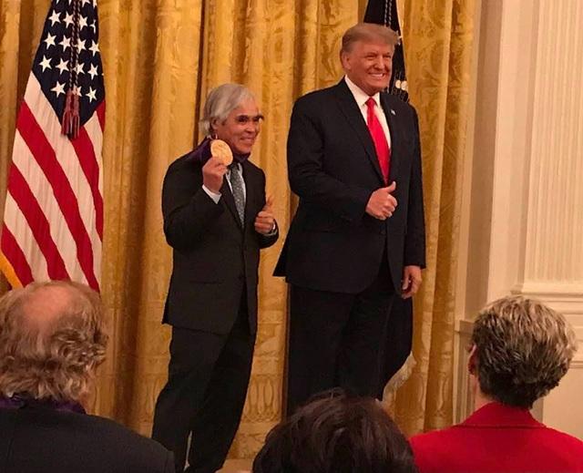 Nick Út và Tổng thống Mỹ Donald Trump tại buổi lễ ngày 13/1