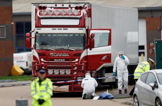 4 bị cáo trong vụ 39 thi thể trong xe tải ở Anh bị tuyên án từ 13 đến 27 năm tù