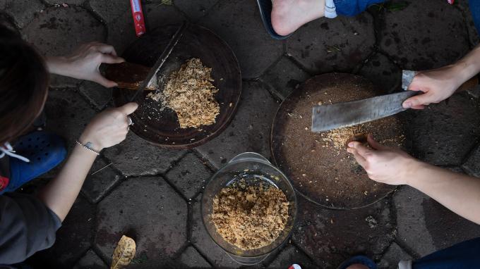 Bên cạnh bánh chưng mặn, gia đình cũng gói hơn 20 chiếc bánh chưng ngọt, 2 chiếc bánh chưng chay để phù hợp với khẩu vị của nhiều người.
