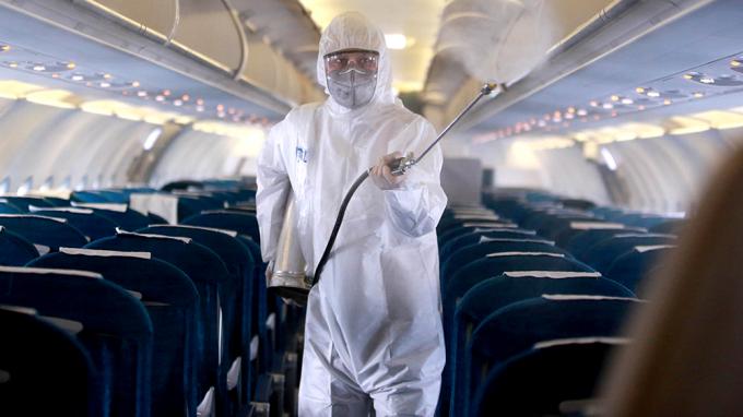 Chúng ta có thể bị lây nhiễm COVID-19 khi gửi hàng hóa tại sân bay không?
