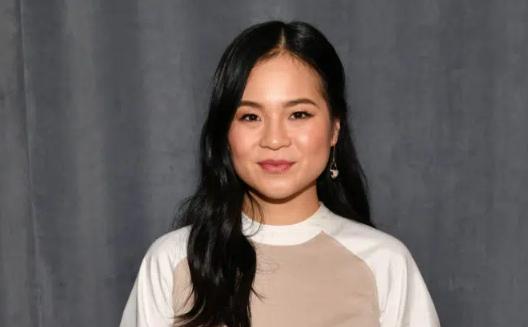 Nữ diễn viên gốc Việt Kelly Marie Trần lồng tiếng cho vai nữ chính Raya.