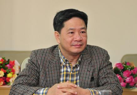 TS Đinh Huy Dương.