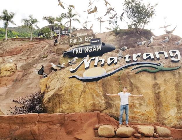 Mặt tiền chào đón du khách của khu du lịch Tàu Ngầm Nha Trang.