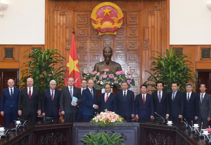 Thủ tướng tiếp Thư ký Hội đồng an ninh quốc gia Nga. Ảnh: VGP/Quang Hiếu