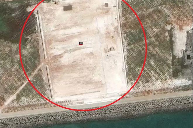 Khu vực do Trung Quốc mới bồi đắp phi pháp trên đá Xu Bi.ẢNH CHỤP MÀN HÌNH SCMP