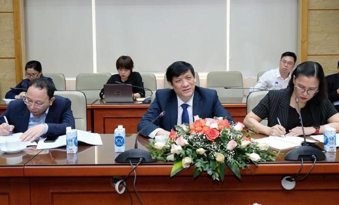 Bộ trưởng Bộ Y tế Nguyễn Thanh Long phát biểu tại buổi làm việc