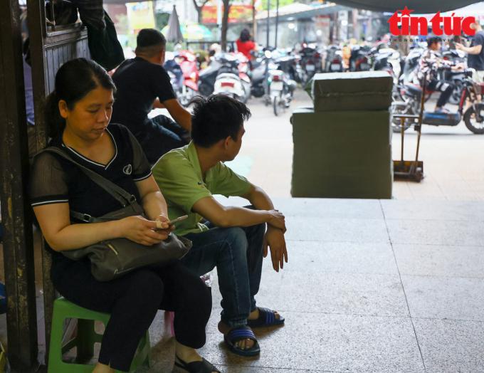 Không khí kinh doanh ảm đạm tại chợ Đồng Xuân những ngày cuối tháng 3/2021.