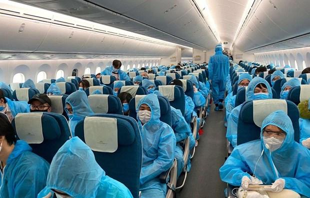 Các chuyến bay quốc tế thường lệ có chở khách vào Việt Nam vẫn đang bị tạm dừng do ảnh hưởng của dịch COVID-19. (Ảnh: CTV/Vietnam+)