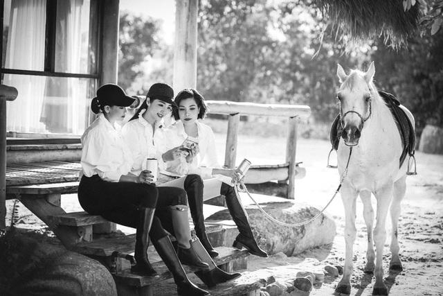 Bộ tứ mỹ nhân đình đám đọ sắc trong loạt ảnh đen trắng tuyệt đẹp