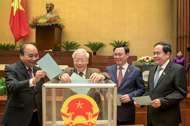 Trình Quốc hội phê chuẩn miễn nhiệm một số phó thủ tướng, bộ trưởng, trưởng ngành