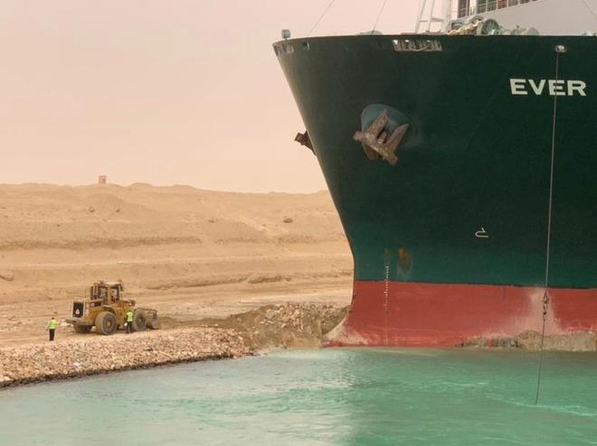 Ai Cập cấm tàu Ever Given rời kênh đào Suez cho đến khi bồi thường đủ 1 tỷ USD