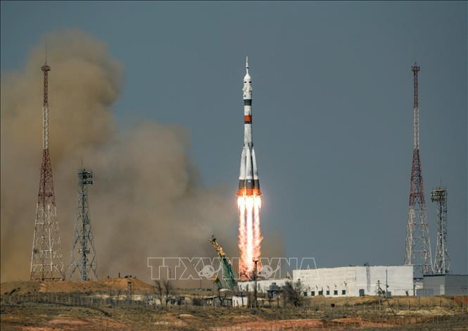 Tàu vũ trụ Soyuz MS-18 chở 3 phi hành gia rời bệ phóng tại sân bay vũ trụ Baikonur, Kazakhstan, ngày 9/4/2021. Ảnh: AFP/TTXVN