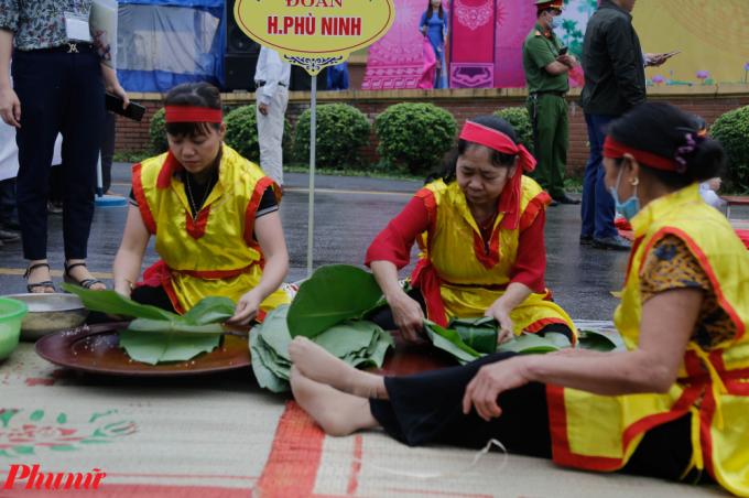 Về Phú Thọ xem người dân gói bánh dâng các vua Hùng