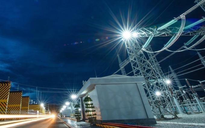 Tập đoàn Trung Nam đóng điện Trạm biến áp và đường dây 220/500kV kết hợp điện Mặt Trời Trung Nam Thuận Nam. (Nguồn: TTXVN)