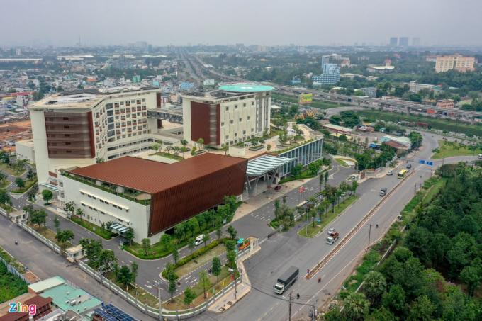 Bệnh viện Ung bướu cơ sở 2 có địa chỉ tại đường 400, ấp Cây Dầu, phường Tân Phú, TP Thủ Đức (TP.HCM), bắt đầu tiếp nhận bệnh nhân vào 12/10/2020.