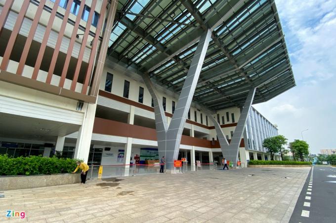 Theo ghi nhận củaZingsáng 22/4, bệnh viện này thưa thớt bệnh nhân đến khám và điều trị.