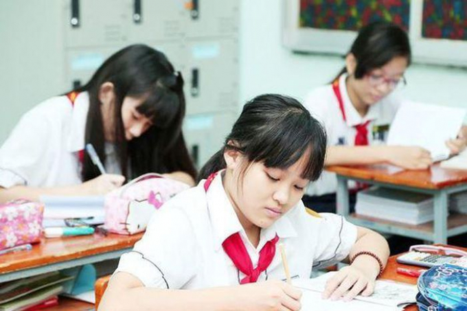 Hà Nội dừng tuyển sinh đào tạo hệ song bằng lớp 6, phụ huynh hoang mang vì