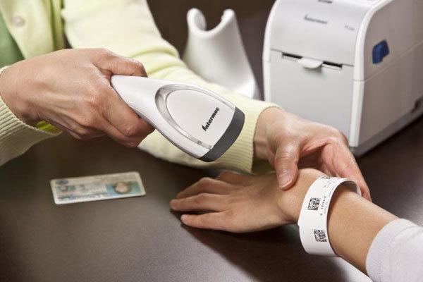Đề xuất thử nghiệm vòng đeo tay hỗ trợ giám sát người cách ly