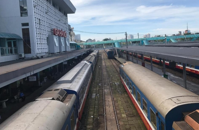 Hai đoạn đường sắt Hà Nội-Vinh và Nha Trang-TP HCM sẽ được ưu tiên làm trước