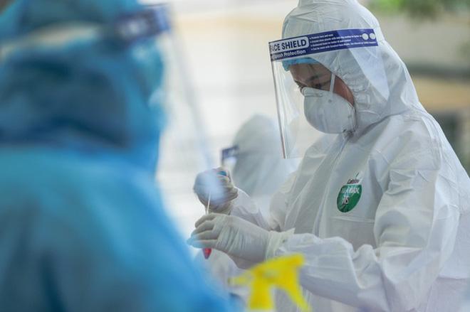 Thực hư về thiết bị xét nghiệm Covid-19 bằng nước súc miệng của CEO Nguyễn Tử Quảng