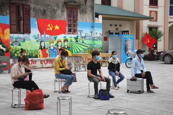Khoảng 30.000 công nhân ngoại tỉnh ở Bắc Giang sẽ được đưa về các tỉnh thành