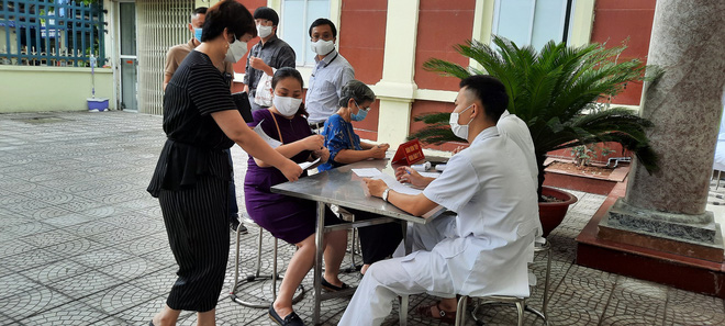Vắc xin ngừa Covid-19 của Việt Nam ít tác dụng phụ hơn vắc xin AstraZeneca, Pfizer