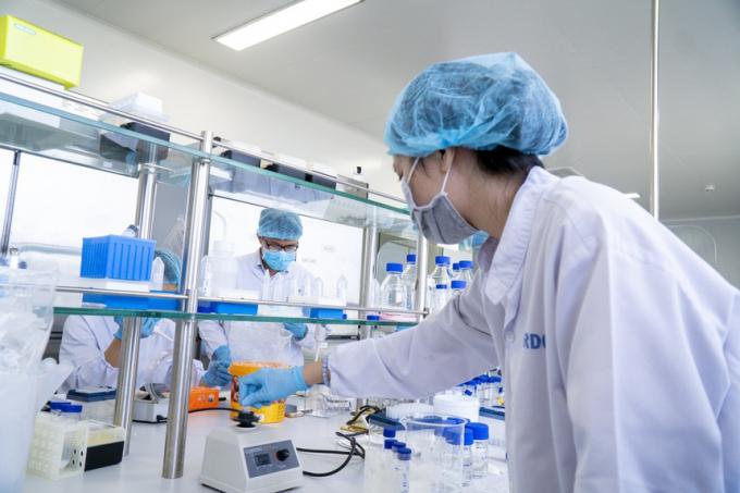 Bộ Y tế: Xác định chỉ có vaccine Covid-19 mới đưa cuộc sống trở về bình thường