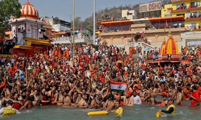 Ít nhất 100.000 xét nghiệm Covid-19 liên quan đến một lễ hội tôn giáo ở Ấn Độ bị làm giả