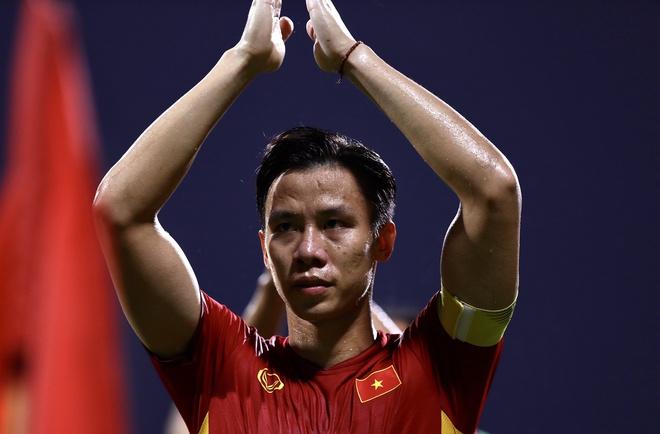 CĐV Thái Lan chúc mừng đội tuyển Việt Nam: