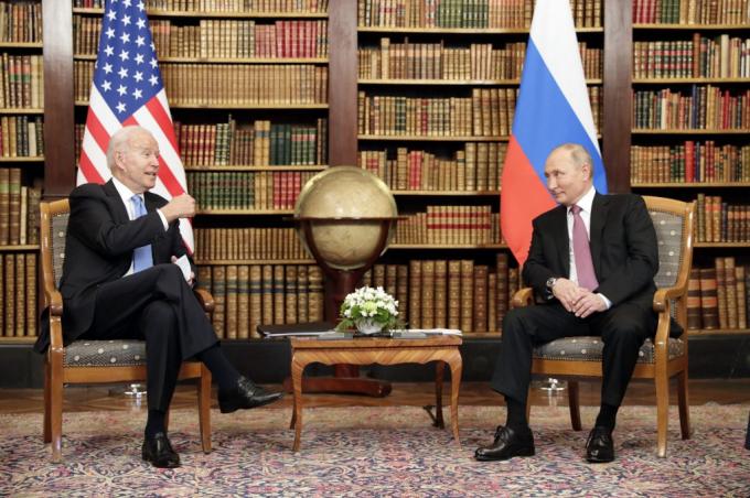 Hai nhà lãnh đạo tại cuộc gặp ở Geneva