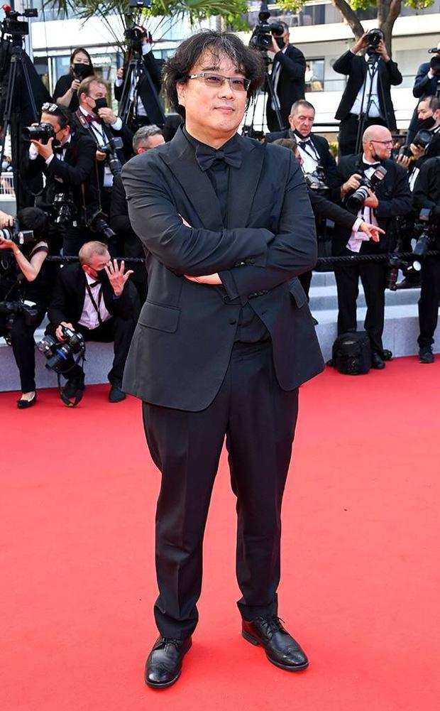 Bong Joon Ho - đạo diễn siêu phẩm Parasite (Ký Sinh Trùng) là nhân vật hiếm hoi của showbiz Hàn dự sự kiện LHP Cannes lần này.