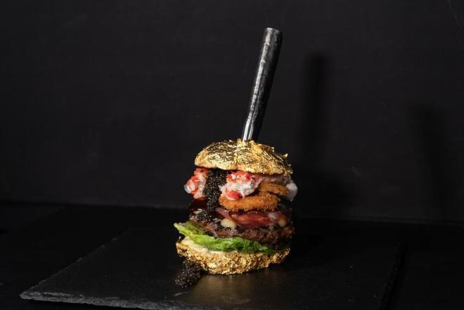 Chiếc bánh Burger đắt nhất thế giới có giá gần 6000 USD